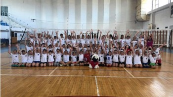 "ŽOK Trogir organizirao odbojkaški turnir ""Pozdrav ljetu"" za najmlađe odbojkašice"